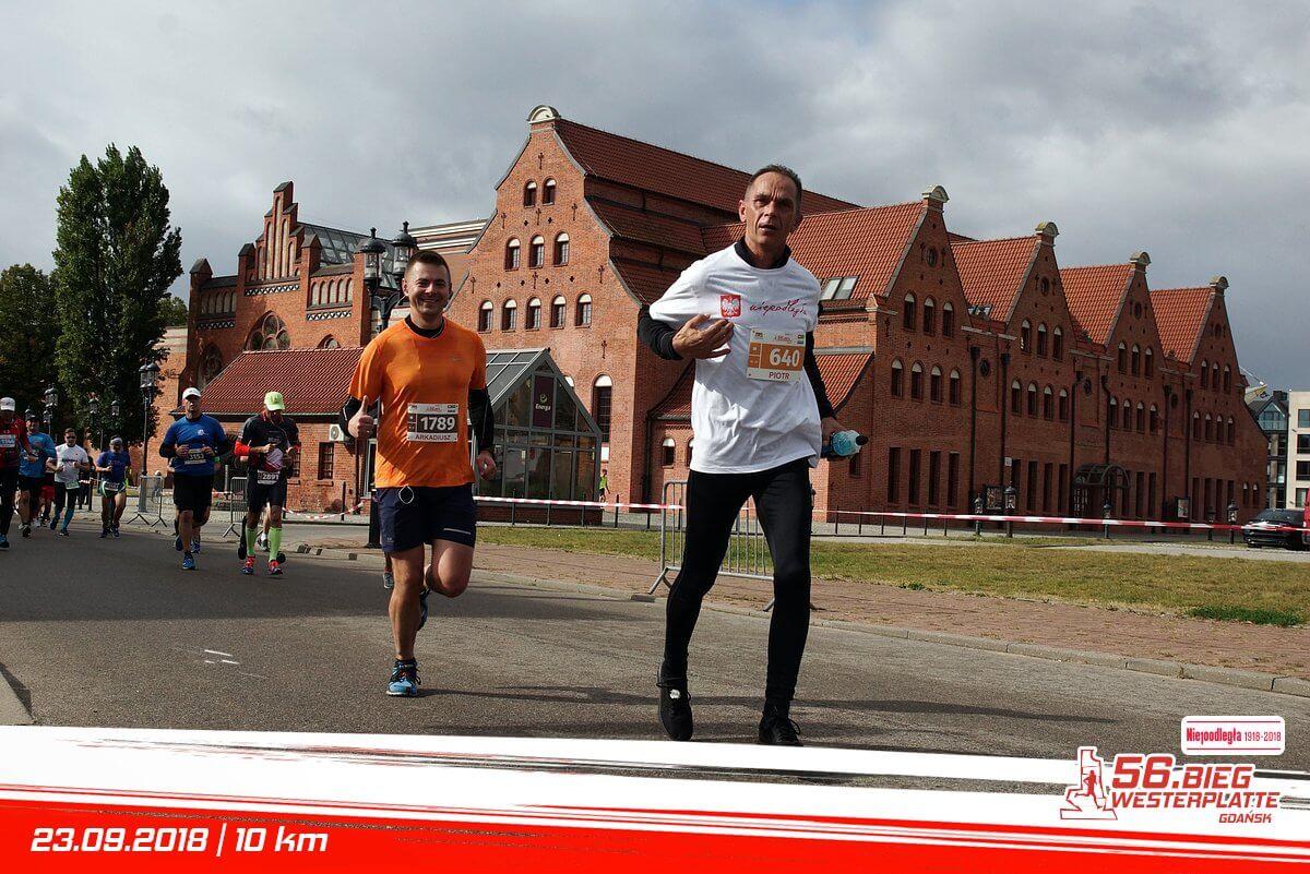 Biegacze podczas Biegu Westerplatte